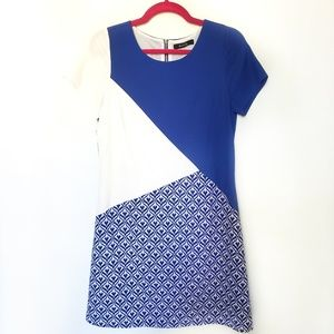 41 Hawthorn S Blue White Geometric Shift Dress